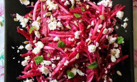 Mentás cékla saláta körtével