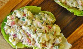 Sonkás-tojásos saláta