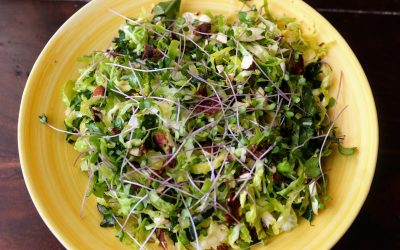 Fodros kel és kelbimbó saláta bacon-nel